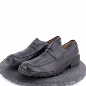 Born Men's black leather loafers size 12M